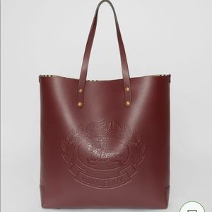 BURBERRY Large Embossed Crest Leather Tote